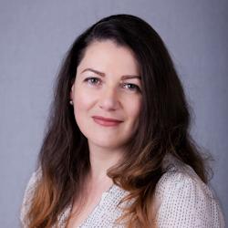 Veronika Csik
