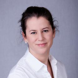 Dr Franciska Bakos