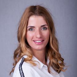 Tina Pálfalvi