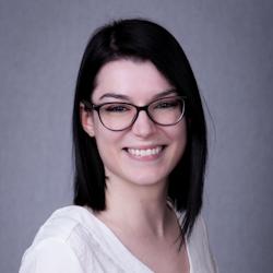 Dóra Szabó